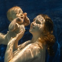 Alberich-Mathews-underwater-moms-17121
